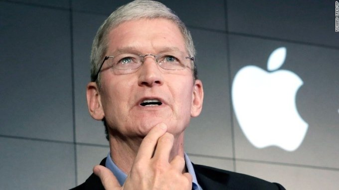 Spying into Apple's plans: We could be having a curved iPhone next year like Samsung