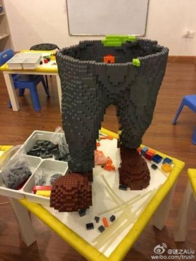 statua di Zootropolis di LEGO