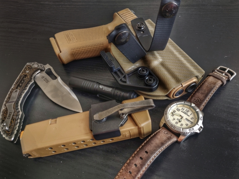 Glock 19x Holstered