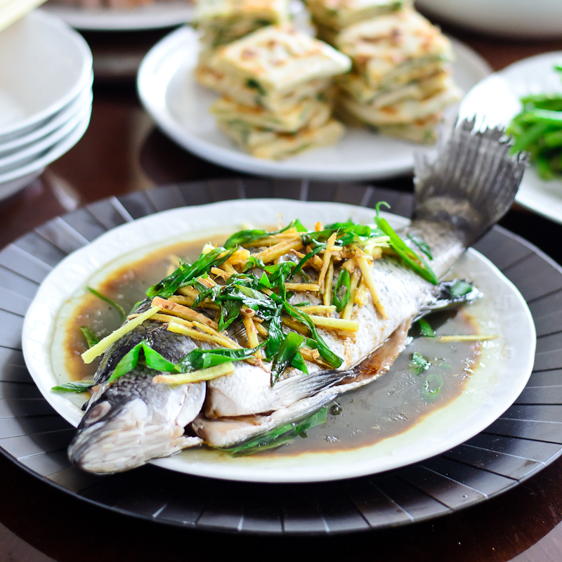 Chinese style whole steamed fish for Chinese steamed fish