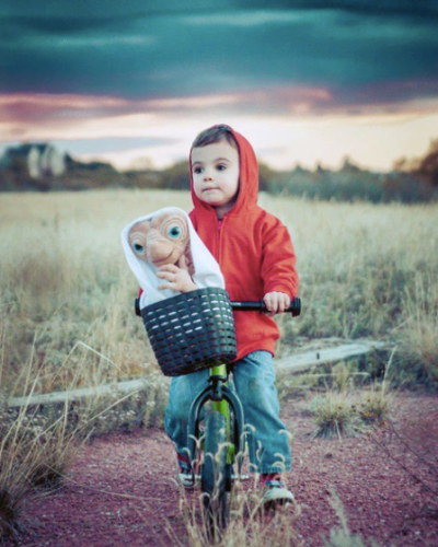 """Criança com fantasia de """"E.T"""""""