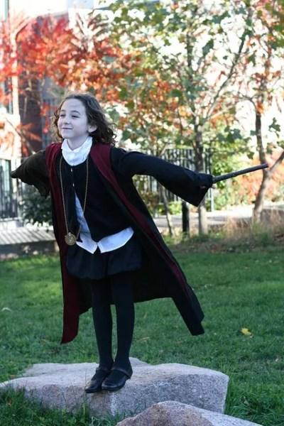 Menina fantasiada de Hermione (Harry Potter)