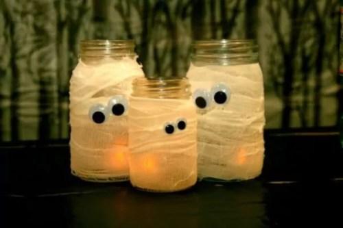 Luzes para a noite de Halloween.