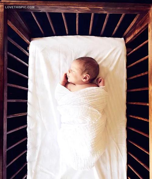 A saga de colocar um bebê para dormir - por Rafaela Carvalho - Just Real Moms