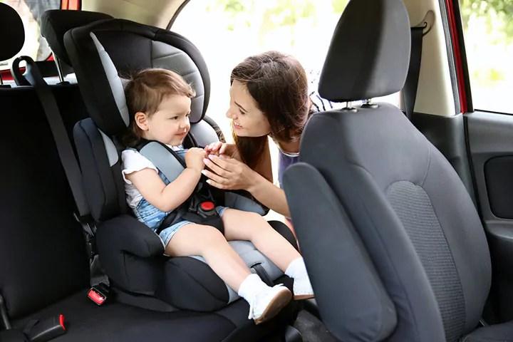 8 dicas para quando o seu bebê chorar ou gritar no carro