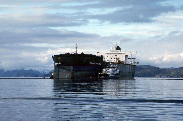 640px-exxon_valdez_oil_spill_13266806523