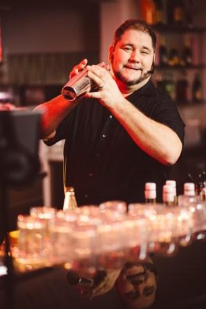 singing Barkeeper