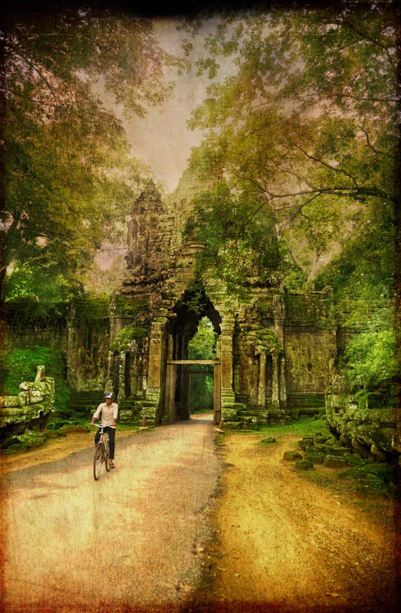 angkor-bike-rider