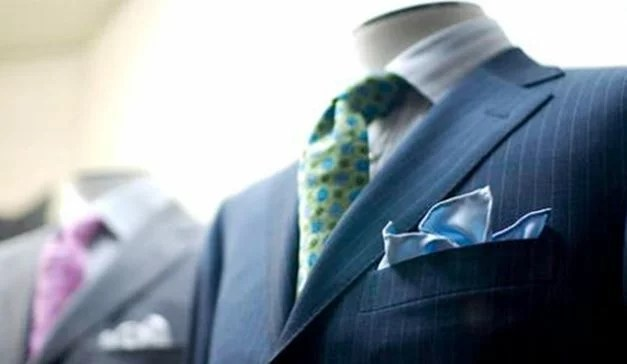 Color Tips for Men-Avoid Flashy Colors for Interview