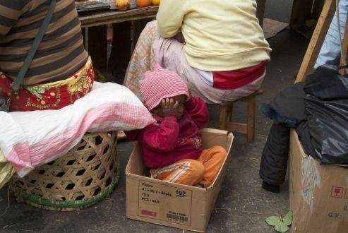 Ongeveer de helft van de bevolking is onder de 18 in Magagascar.