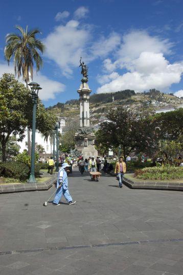 Steden in Ecuador hebben altijd veel keurige parkjes.