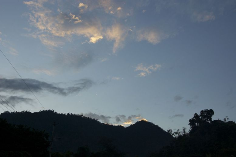 Mindo bij zonsopgang