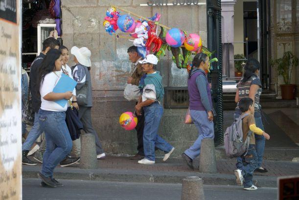 Ballonnenverkoper in Quito.