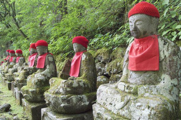 Alle Jizo's zien er weer anders uit.