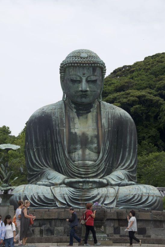 De grote Boeddha is echt heel groot. Indrukwekkend mooi ook.