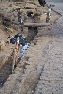 Wij zijn niet bepaald de enige fietsers in Madagascar. De bevolking zelf fietst ook heel veel.