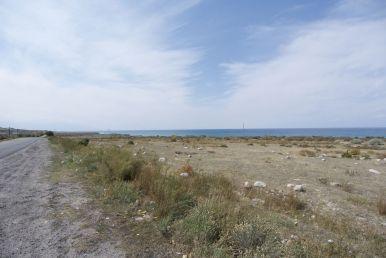 Aankomst bij het fel blauwe meer gaat gepaard met weer wat blauwe lucht.
