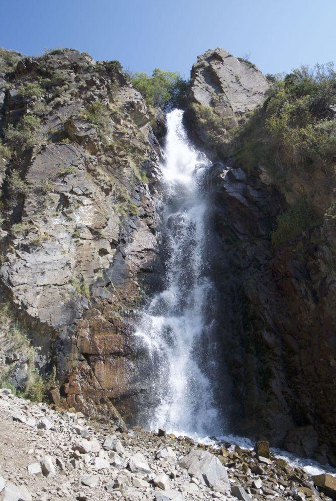 Toch leuk om even naar een van de watervallen hier te gaan.