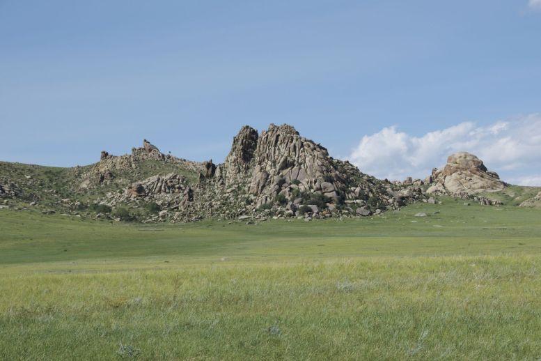 De meeste rotsen zijn wat ver van ons vandaan om schaduw te bieden. Maar wel mooi.