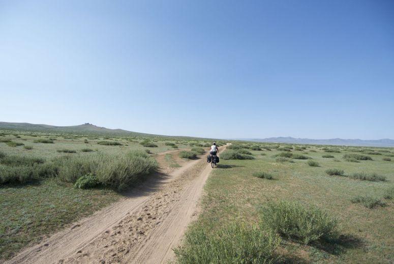 Zand, tijden is het stevig en dan glijdt het opeens onder je wielen vandaan.