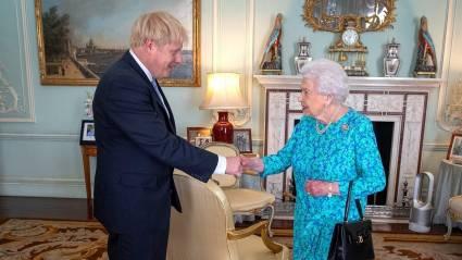 En el Reino Unido reinar y gobernar son atribuciones separadas. Foto: Reuters