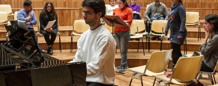 Clínica para jóvenes directores y cantantes