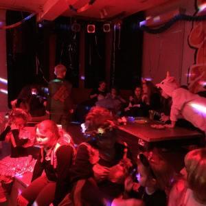 hellauundalaaf im jugendzentrumwittmund faschinginostfriesland karneval kostm kinderkarneval party polonaise stopptanzhellip