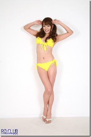 yurika Aoi yellow bikini01_japao