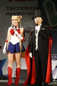 Marina Amano e Kendi Yamai: cosplays de Sailor Moon e Tuxedo Mask, respectivamente