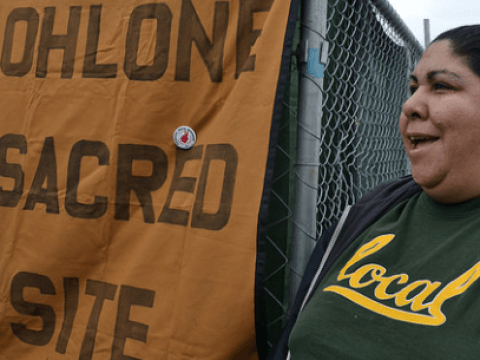 Ohlone leader Corinna Gould at a protest of construction on top of a shellmound in Berkeley, April 9, 2016 (Photo/Flickr-Wendy Kenin CC BY-ND 2.0)