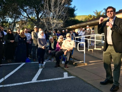 Rabbi Paul Steinberg of Congregation Kol Shofar in Tiburon speaks at a vigil for victims of the New Zealand mosque shooting at Islamic Center of Mill Valley, March 15, 2019