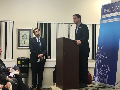 Seth Brysk, regional director of Anti-Defamation League, speaks at an interfaith vigil for the victims of the mosque shootings in New Zealand at Pacifica Institute in Albany, March 16, 2019 (Photo/Dan Pine)