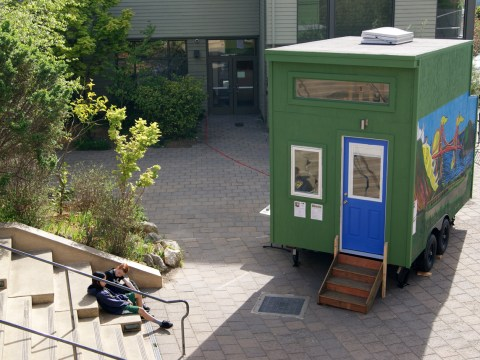 Youth Spirit Artworks tiny house demo at Congregation Beth El in Berkeley