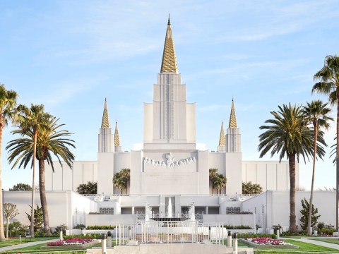 The Oakland Temple of the Church of Jesus Christ of Latter-day Saints was designed in 1964 in a mid-century modern architectural style. (Photo/Courtesy Church of Jesus Christ of Latter-day Saints)