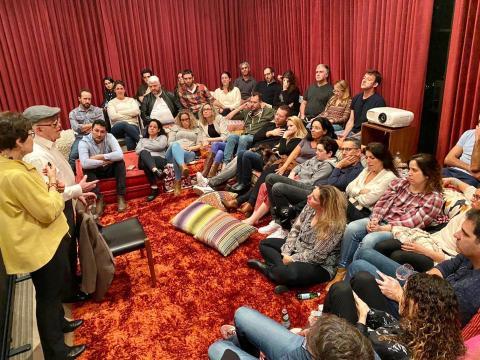 A Zikaron BaSalon event featuring Holocaust survivor Ben Stern (second from left) on Jan. 28 at the home of ICON CEO Yasmin Lukatz. (Tomer Lukatz)