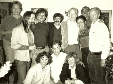 Lowell Bergman (top row, third from left) at his home in Berkeley with other Bay Area journalists on Nov. 13, 1986, celebrating a favorable decision by the California Supreme Court in a libel case against him. (Courtesy Michael Nolan)