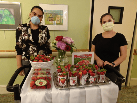 Reutlinger staff members deliver themed desserts to residents and patients during the coronavirus quarantine. (Photo/Gloria Ruth)