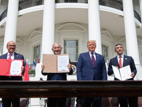 From left, Bahrain Foreign Minister Abdullatif al-Zayani, Israeli Prime Minister Benjamin Netanyahu, President Donald Trump and UAE Foreign Minister Abdullah bin Zayed Al Nahyan at the White House, Sept. 15, 2020. (Photo/JTA-Saul Loeb-AFP via Getty Images)