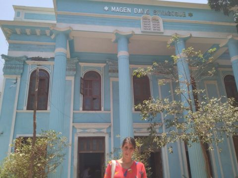 Lisha Peel in front of the Magen David Synagogue in Mumbai. (Photo/Courtesy Peel)