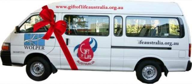 GIFTY OF LIFE Bus with ribbon