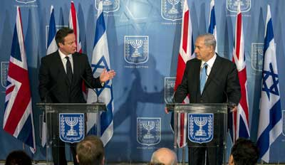 Israeli Prime Minister Benjamin Netanyahu (right) and his British counterpart Prime Minister David Cameron attend a joint press conference in Jerusalem on March 12, 2014. Cameron resigned following the United Kingdom's Brexit vote on June 24, 2016. Credit: Olivier Fitoussi/POOL/Flash90.