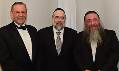 Baron Revelman, Rabbi elefant, Rabbi Moshe Gutnick