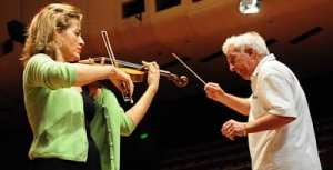 Anne-Sophie Mutter and Vladamir Ashkenazy rehearse with the SSO  pic: Henry Benjamin