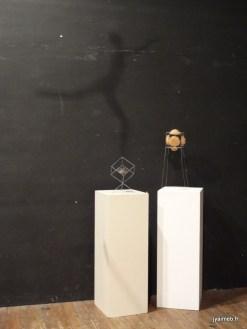 cubes suspendus