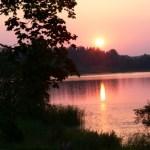 Auringonlasku Gustavelundin terassilta kuvattuna.
