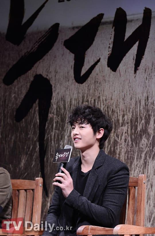 """[Photo] Сон Чжун Ки, фото с пресс-конференций для """"Парень ..."""