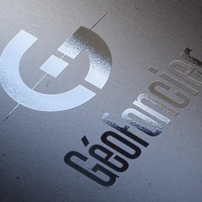 Logo Géofoncier - mockup vernis selectif
