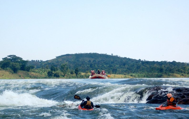 Grade 5 Rapids on the Nile Rafting
