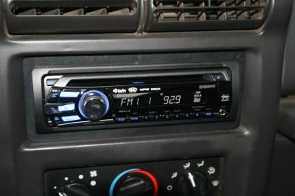 jeep wrangler radio install the k nr radio site. Black Bedroom Furniture Sets. Home Design Ideas