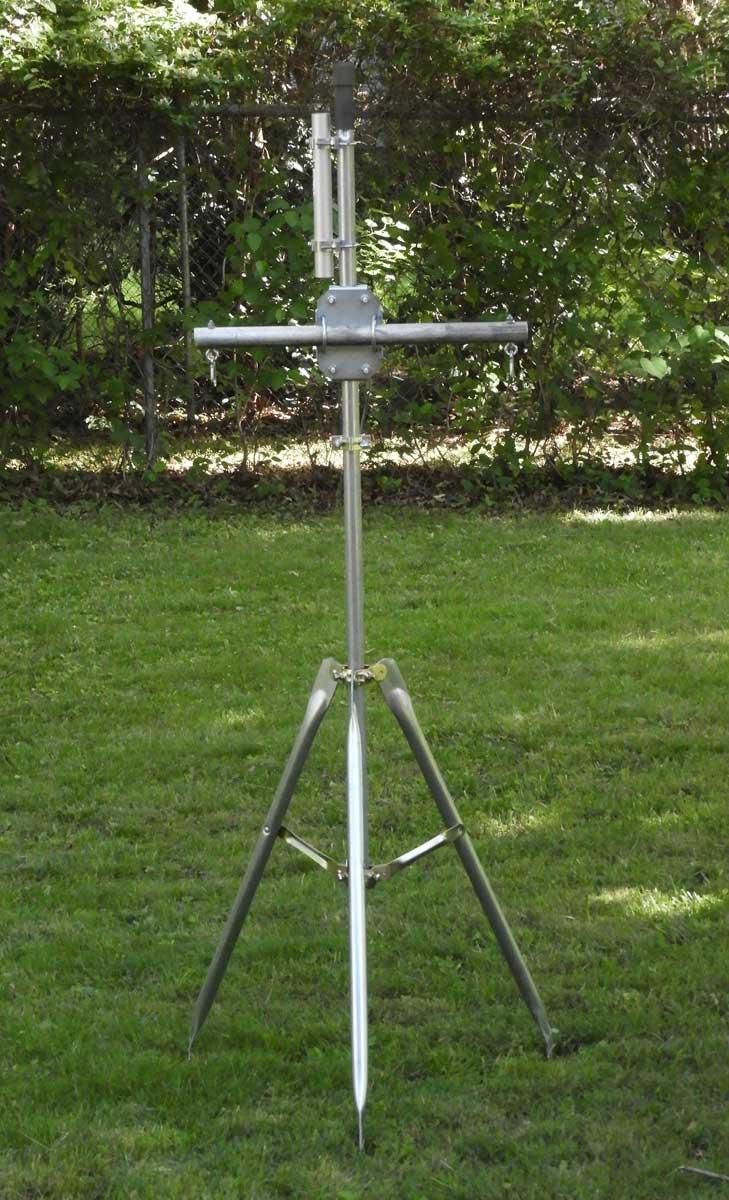 Tripod antenna mast